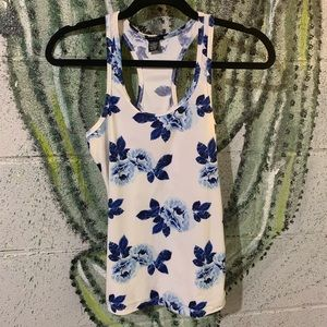 Racer back tank top size M